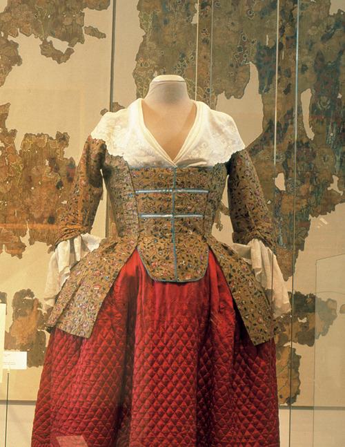 europeana fashion centraal museum utrecht chintz tumblr