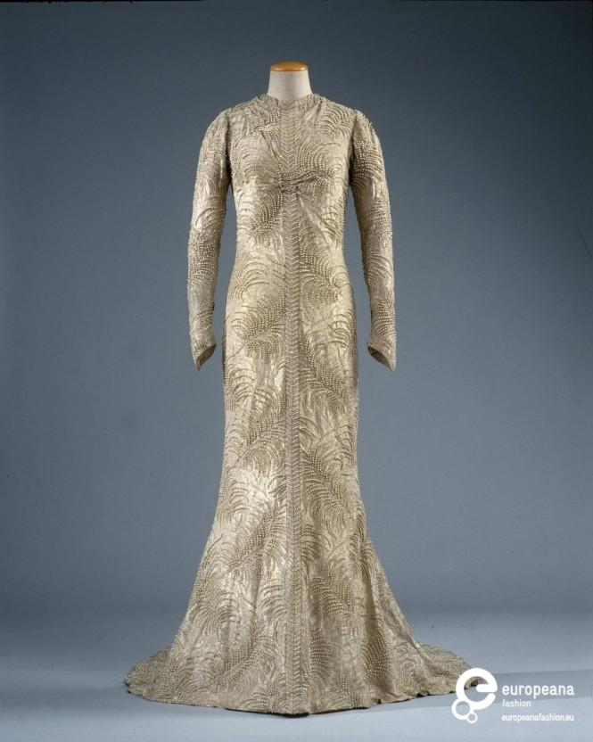Royal fashion affairs norman hartnell blog europeana for Wedding dresses norman ok