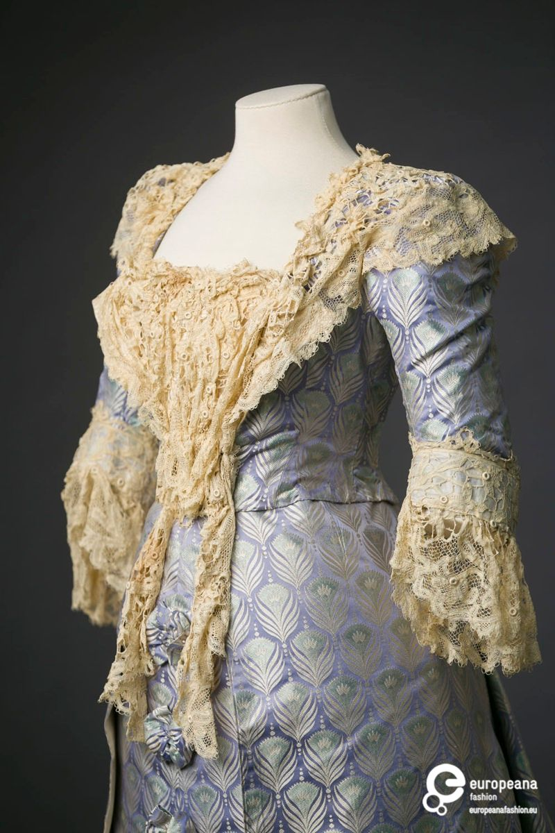 Gown form the Maison Worth, 1895-1900 ca., Courtesy Modemuseum Hasselt, All Rights Reserved