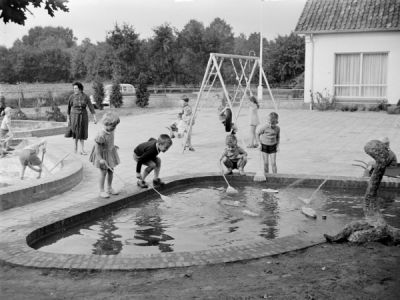 Images/blog_Images/2016-03/children-Pond-600X.jpeg