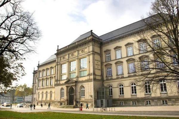 Sharing is Caring: open access insights from the Museum für Kunst und Gewerbe Hamburg