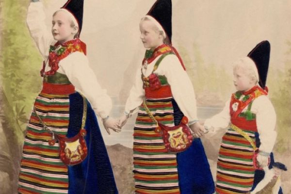 Gösta Florman's Folk Costume Photography